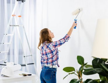 Should you paint the walls or ceiling first.