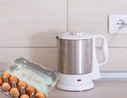 Boiling eggs in electric kettle.