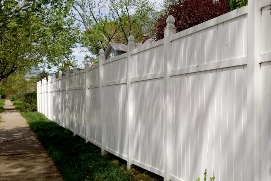Fence that will keep traffic sounds out.