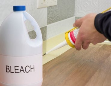 How to properly use bleach and the best ways to clean mold and whiten silicone sealant.