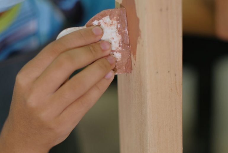 List of the best wood fillers for large holes.